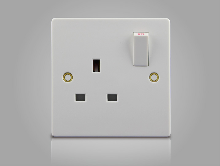 1 Switched Socket (10)