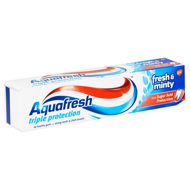 Aquafresh Fresh & Minty 100ML X 12)