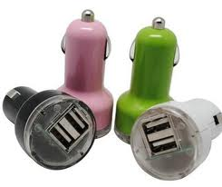 Dual USB in-Car Charger 2 X 2100mA (1)
